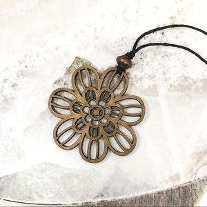 Jewelry - BOGO💫🧡Flower🧡Stained Wooden Filigree Choker